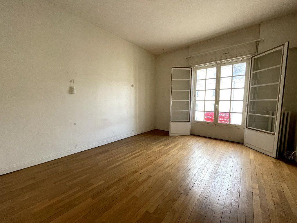 Appartement à vendre 5 134.18m2 à Orléans vignette-6