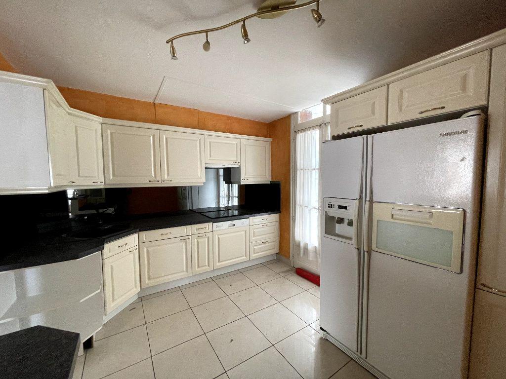 Appartement à vendre 5 134.18m2 à Orléans vignette-8