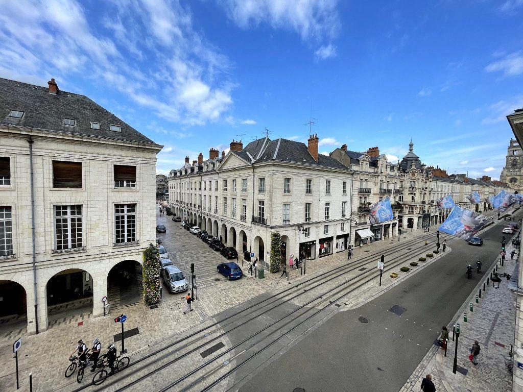 Appartement à vendre 5 134.18m2 à Orléans vignette-12