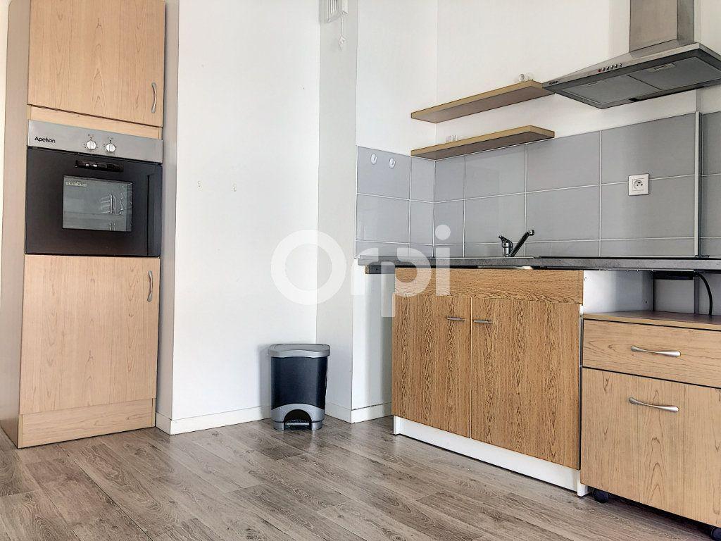 Appartement à louer 2 45.58m2 à Orléans vignette-3