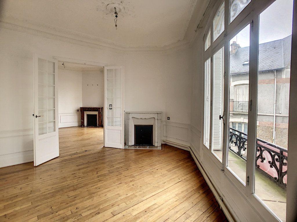 Appartement à louer 5 98.63m2 à Orléans vignette-2