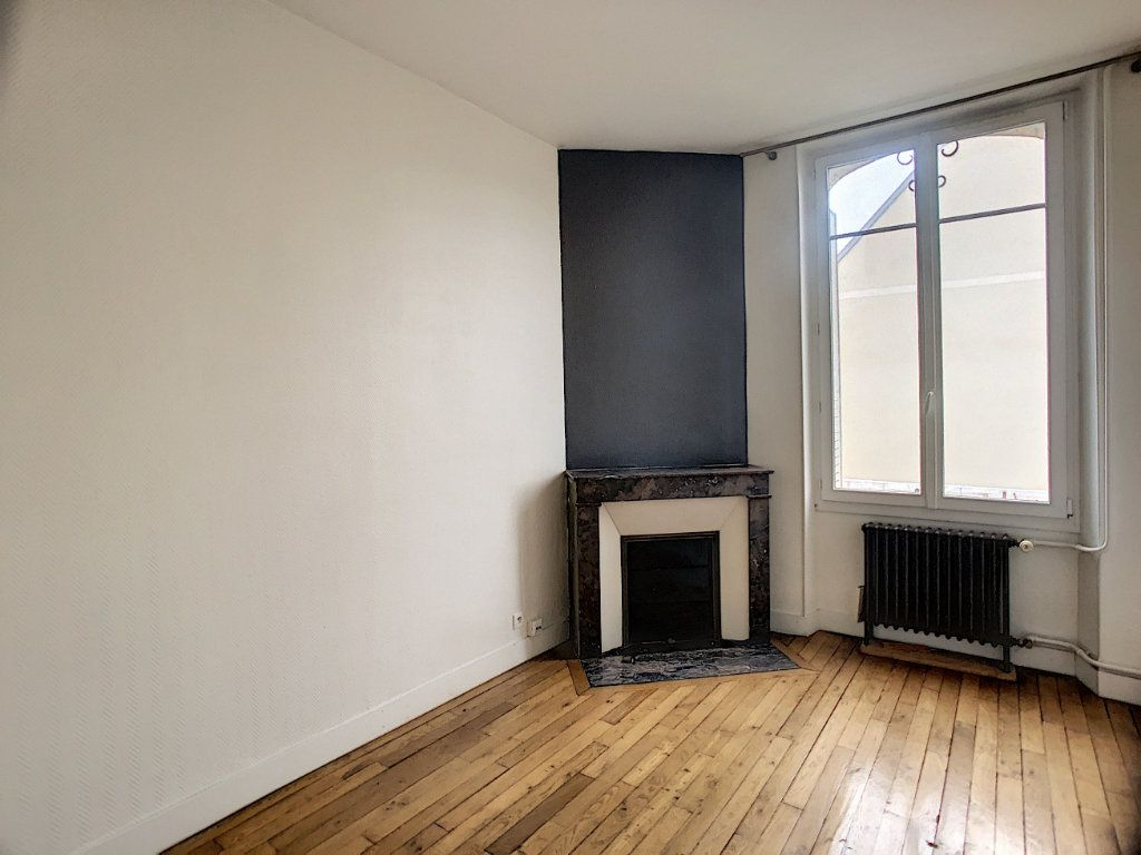 Appartement à louer 5 98.63m2 à Orléans vignette-4