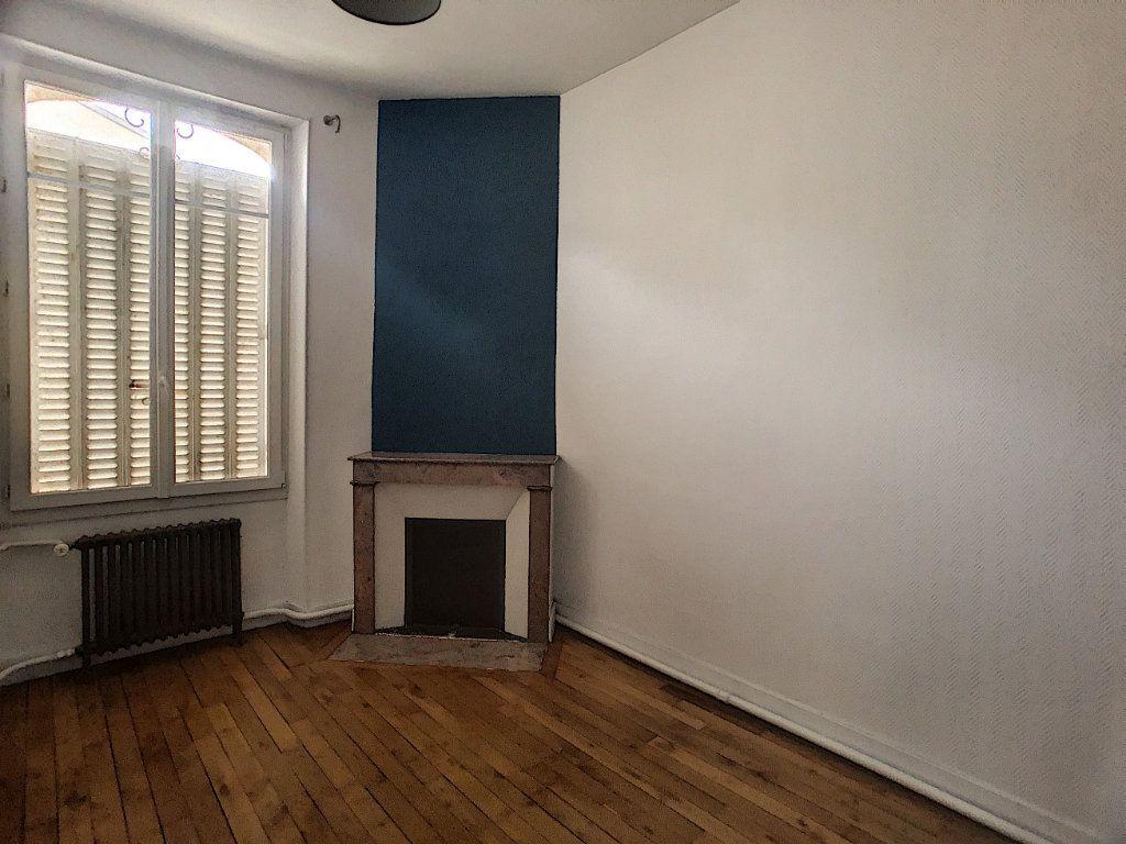 Appartement à louer 5 98.63m2 à Orléans vignette-5