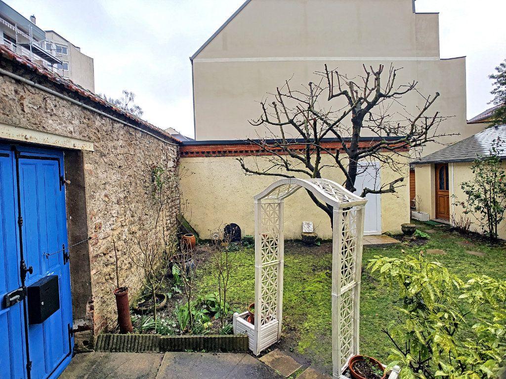Appartement à louer 5 98.63m2 à Orléans vignette-9