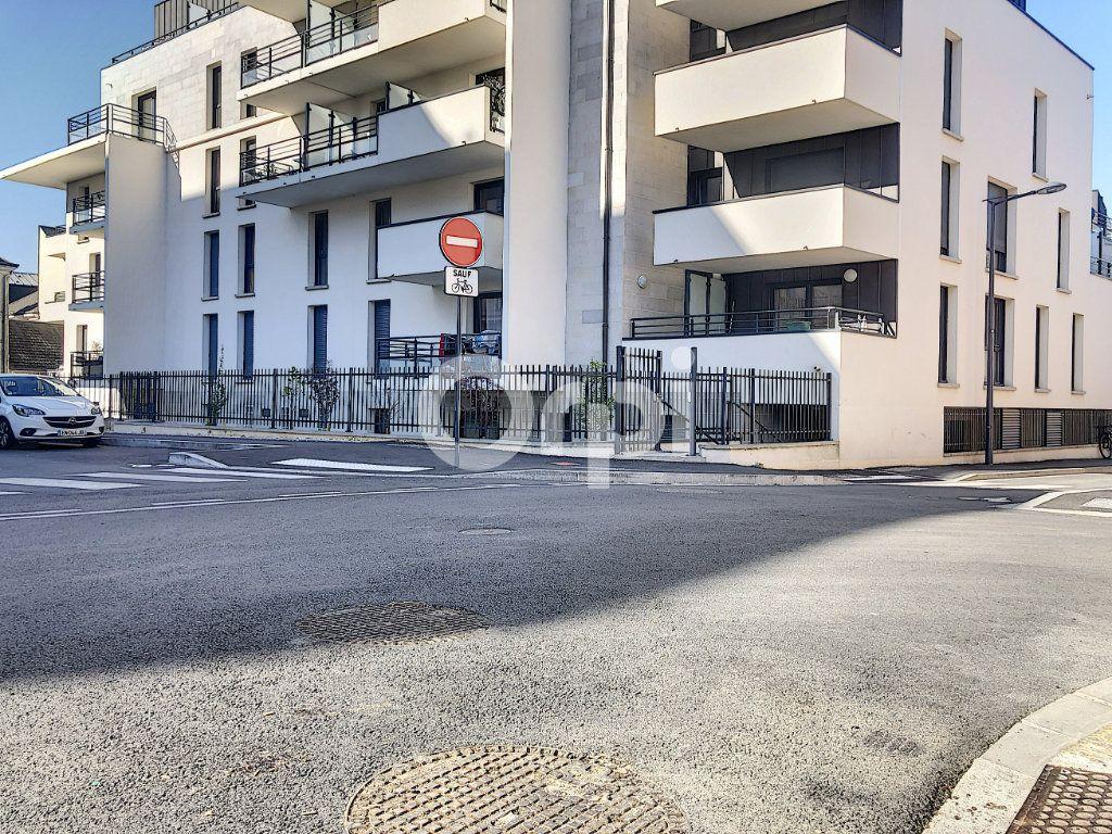 Appartement à louer 2 39.67m2 à Orléans vignette-1