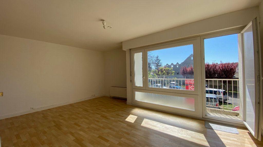 Appartement à vendre 4 89m2 à Saint-Jean-de-la-Ruelle vignette-1