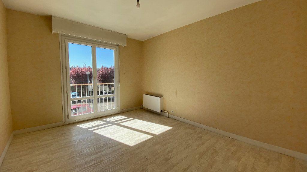 Appartement à vendre 4 89m2 à Saint-Jean-de-la-Ruelle vignette-4