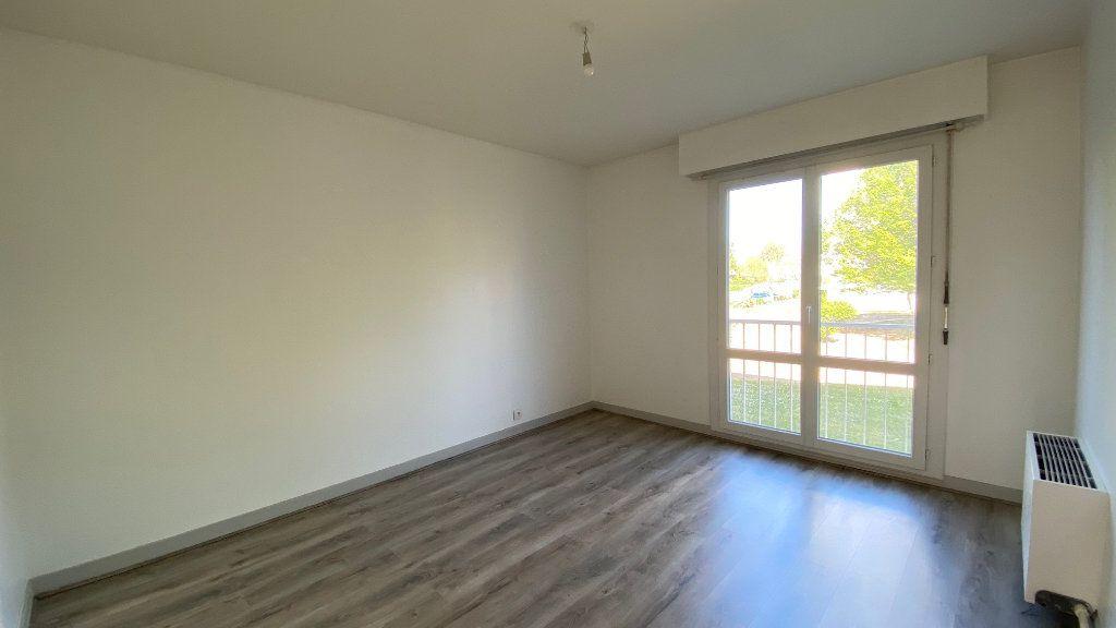 Appartement à vendre 4 89m2 à Saint-Jean-de-la-Ruelle vignette-5