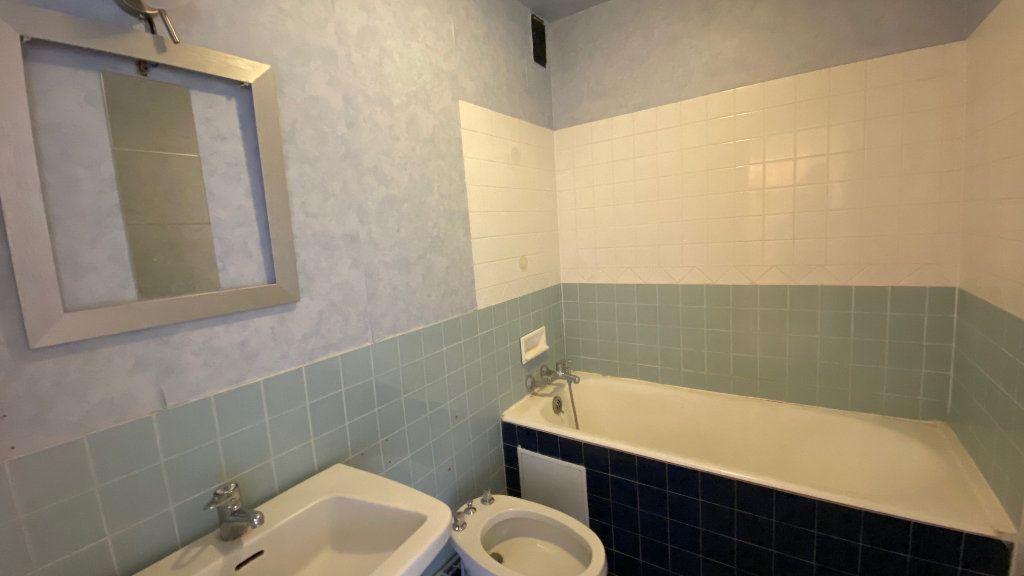 Appartement à vendre 4 89m2 à Saint-Jean-de-la-Ruelle vignette-6