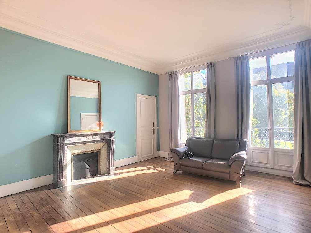 Appartement à louer 5 132.5m2 à Orléans vignette-1