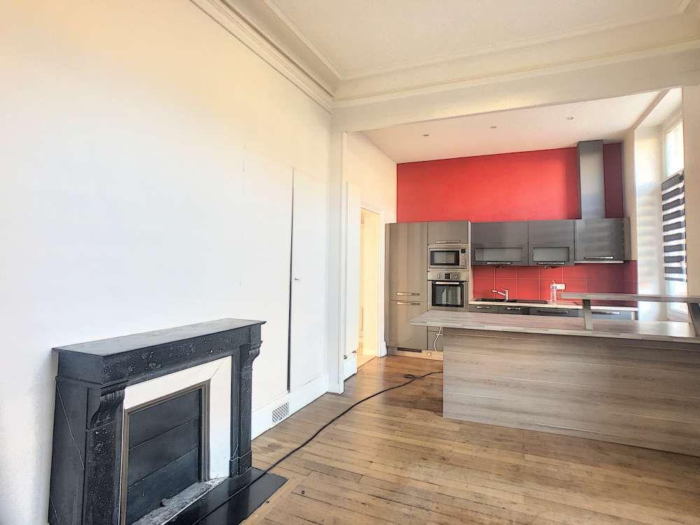Appartement à louer 5 132.5m2 à Orléans vignette-5