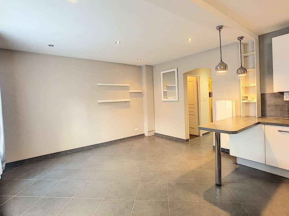 Appartement à louer 2 56.51m2 à Orléans vignette-2