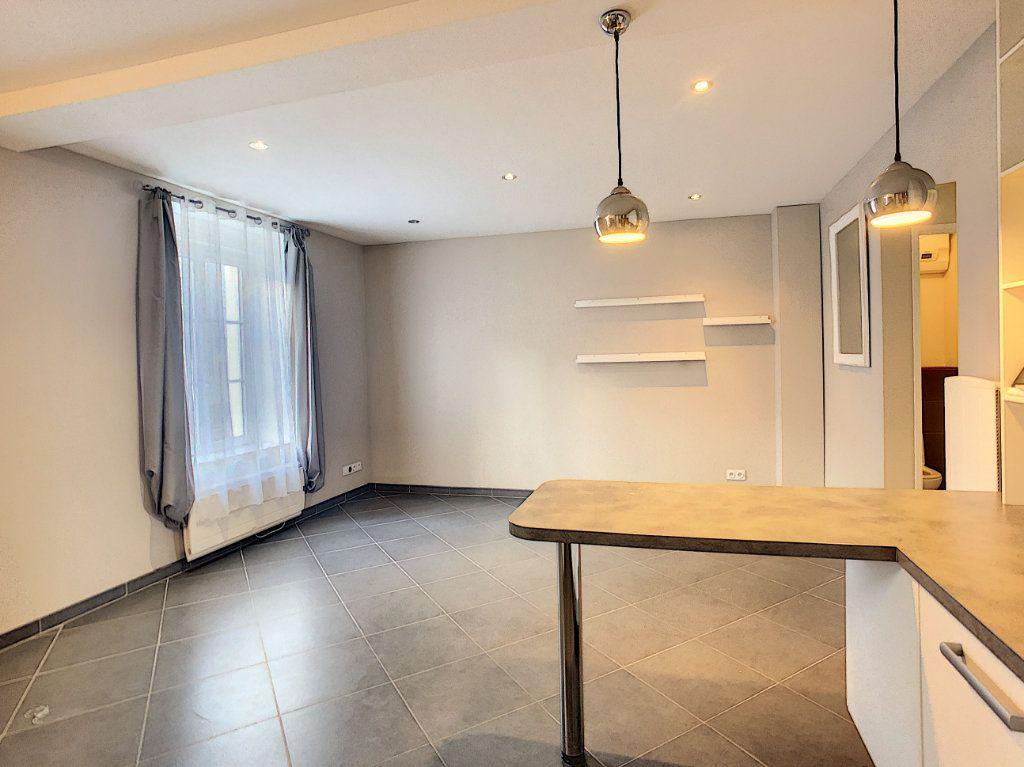 Appartement à louer 2 56.51m2 à Orléans vignette-3