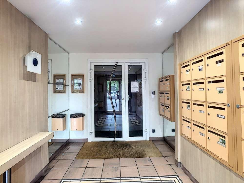 Appartement à louer 2 47.02m2 à Orléans vignette-5