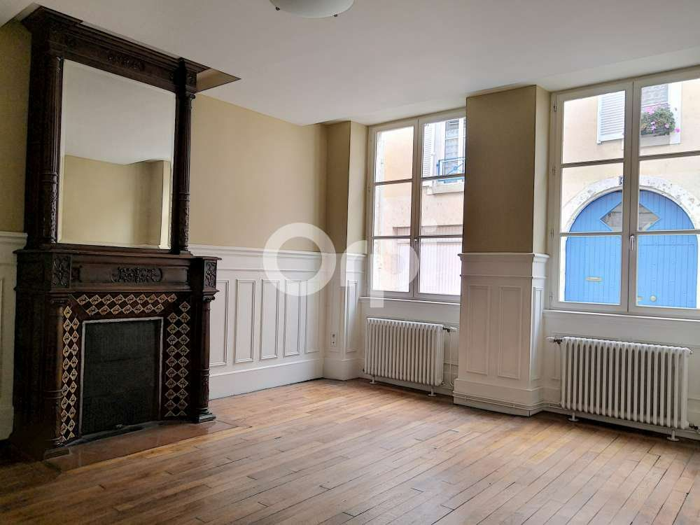 Appartement à louer 3 83.39m2 à Orléans vignette-3