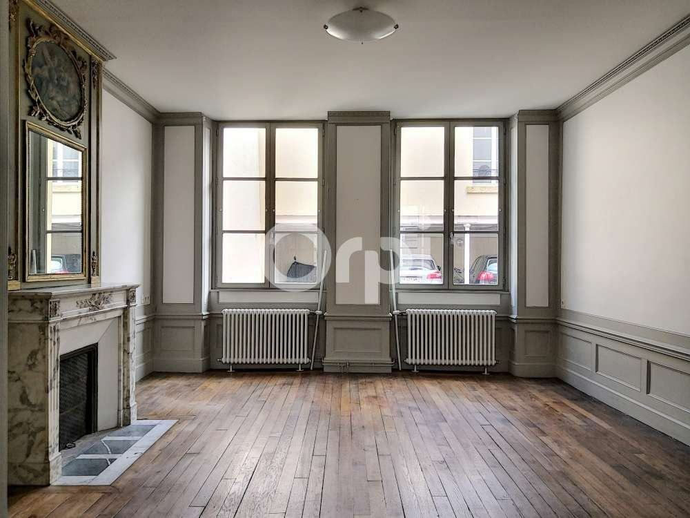 Appartement à louer 3 83.39m2 à Orléans vignette-7