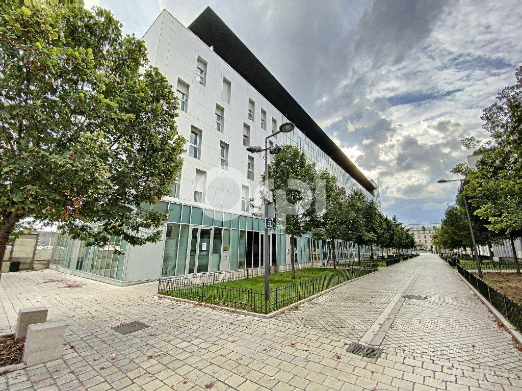 Appartement à louer 2 42.88m2 à Orléans vignette-2