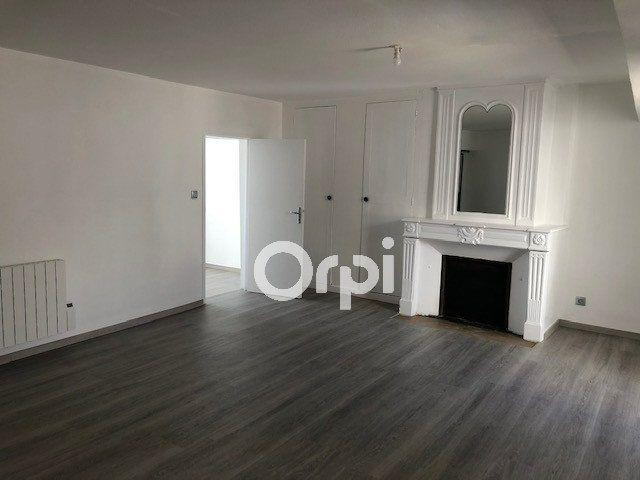 Appartement à louer 3 56.4m2 à Orléans vignette-2