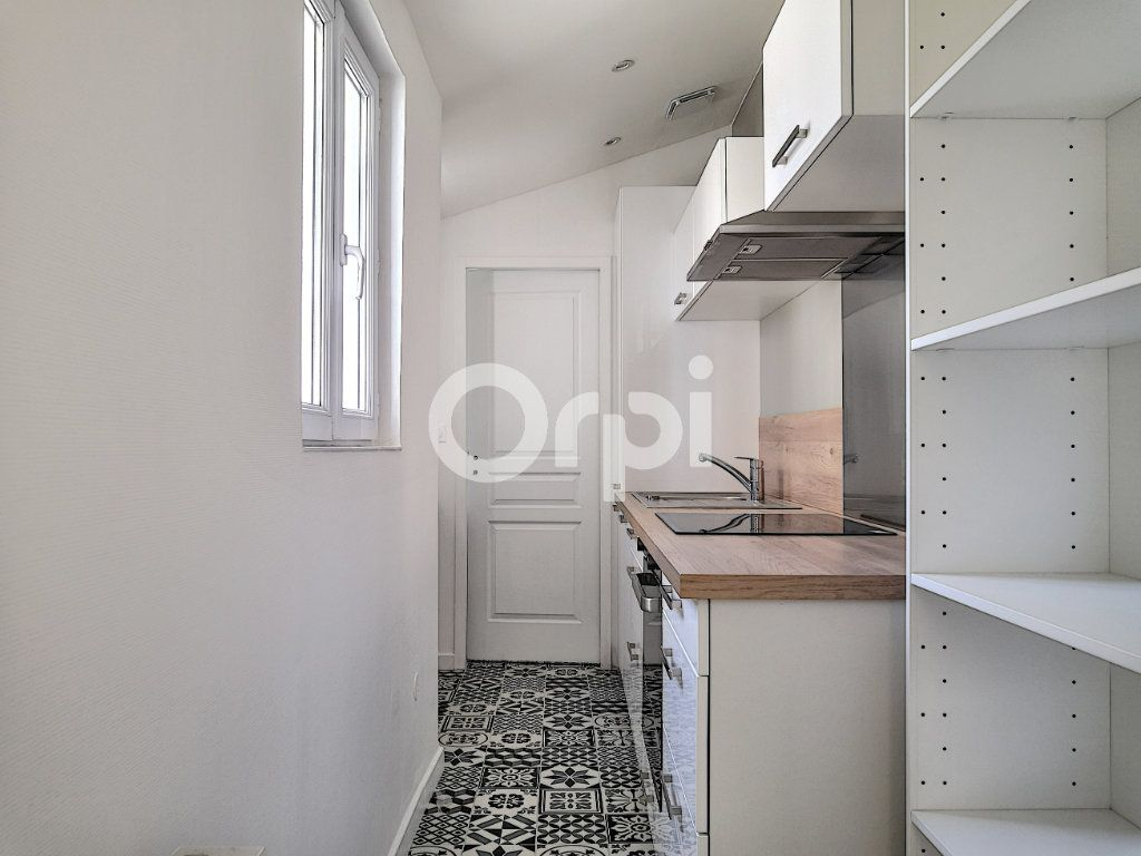 Appartement à louer 2 40m2 à Orléans vignette-2