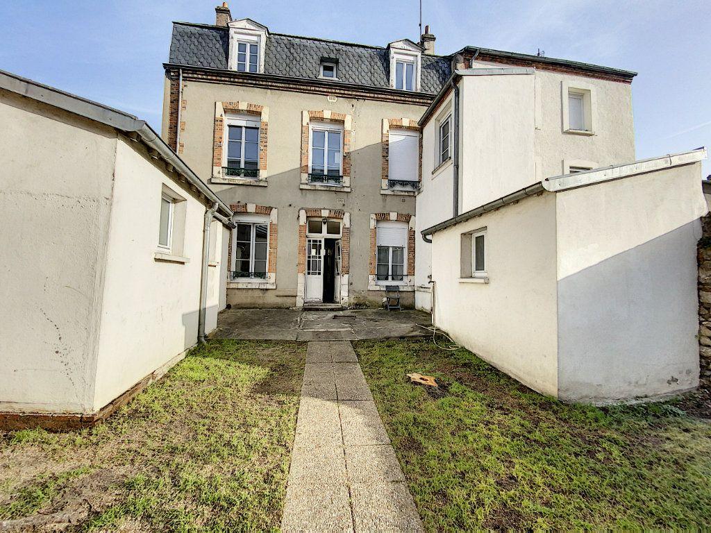Appartement à louer 2 40m2 à Orléans vignette-3