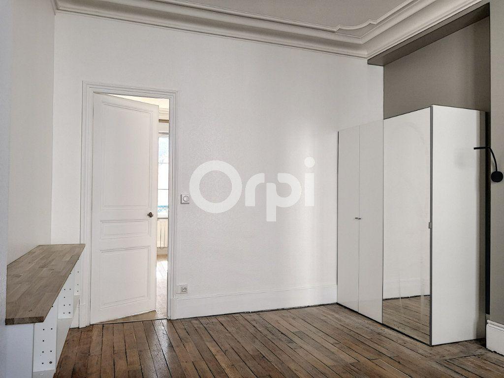 Appartement à louer 2 40m2 à Orléans vignette-4