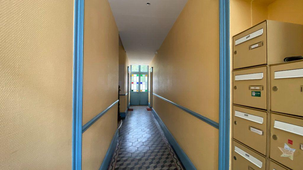Appartement à louer 2 40m2 à Orléans vignette-7