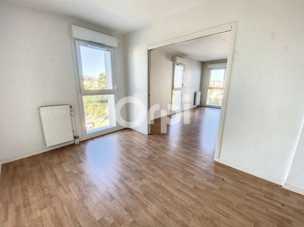 Appartement à louer 3 64.51m2 à Orléans vignette-5