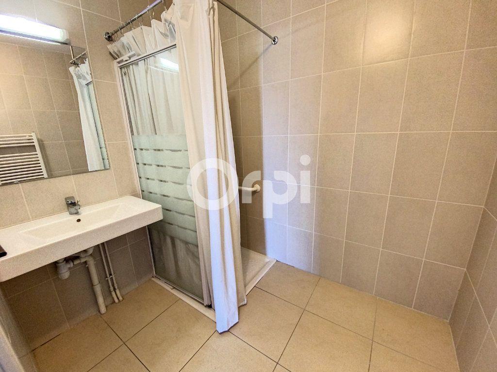 Appartement à louer 3 64.51m2 à Orléans vignette-9