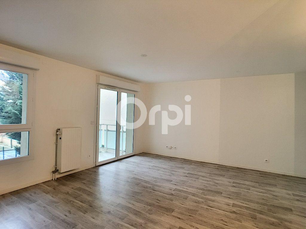 Appartement à louer 2 44.24m2 à Orléans vignette-3
