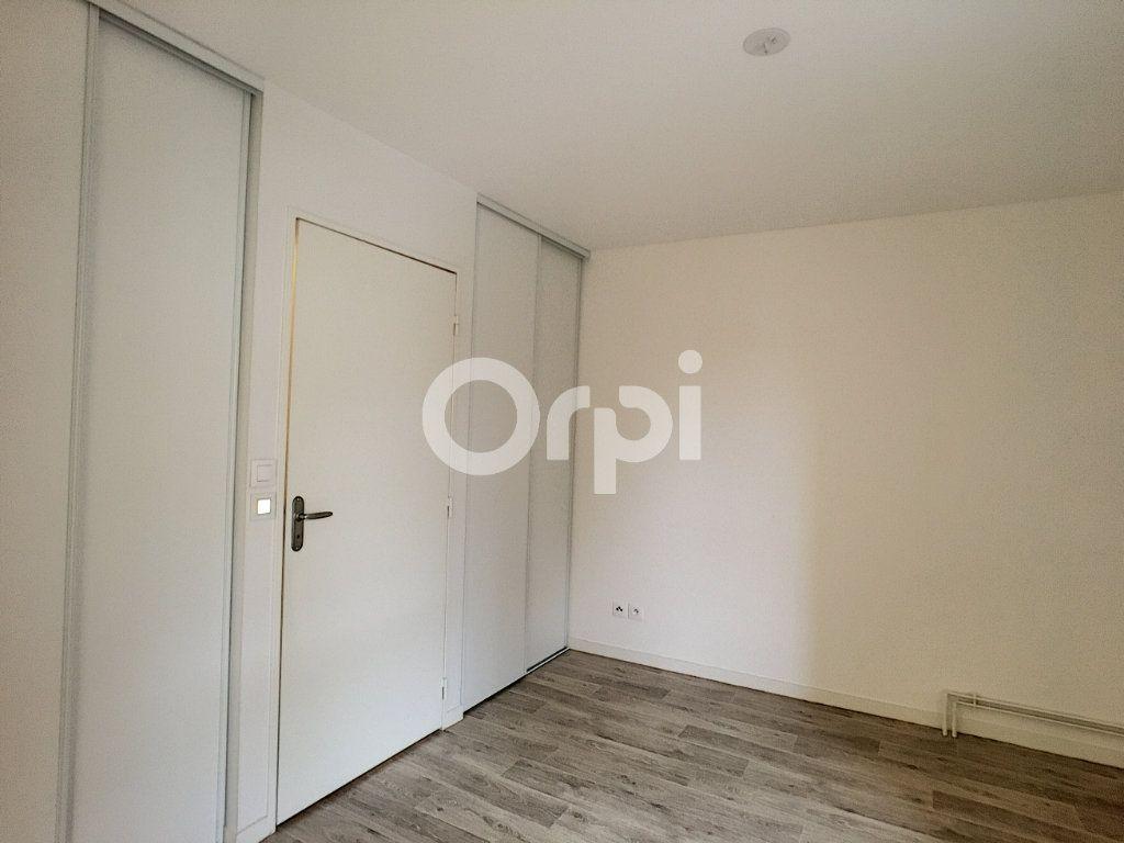 Appartement à louer 2 44.24m2 à Orléans vignette-4