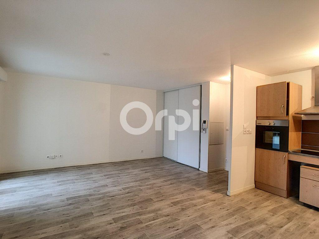 Appartement à louer 2 44.24m2 à Orléans vignette-6