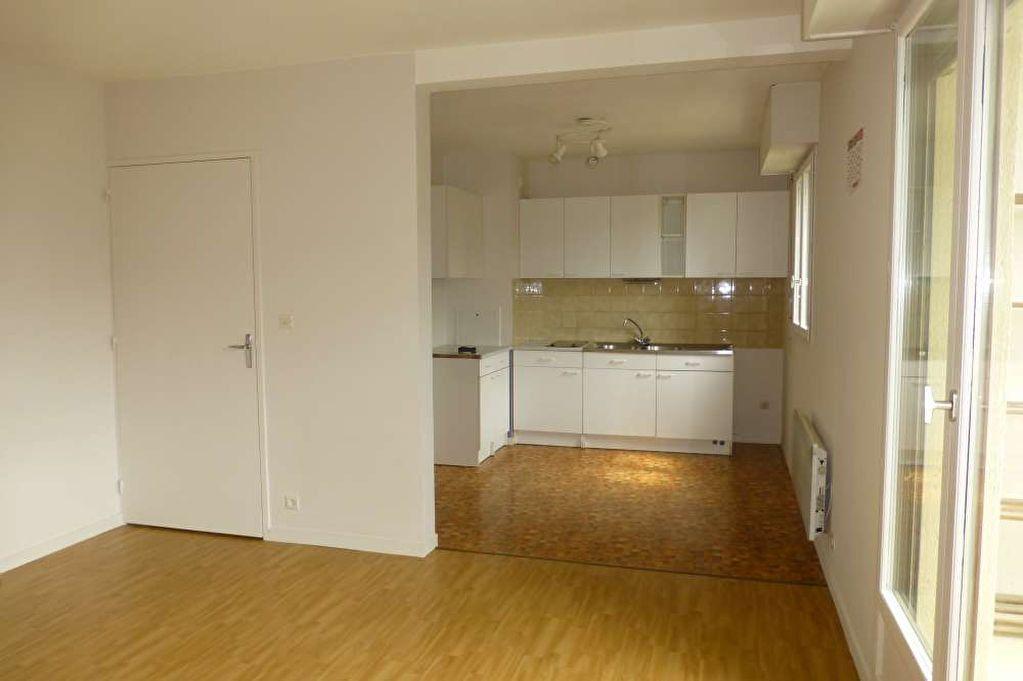 Appartement à louer 1 31.7m2 à Olivet vignette-3