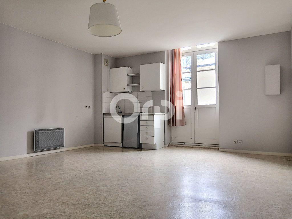 Appartement à louer 2 46.26m2 à Orléans vignette-1