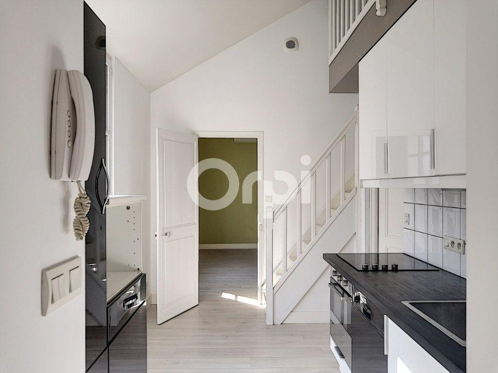 Appartement à louer 3 68.06m2 à Orléans vignette-1