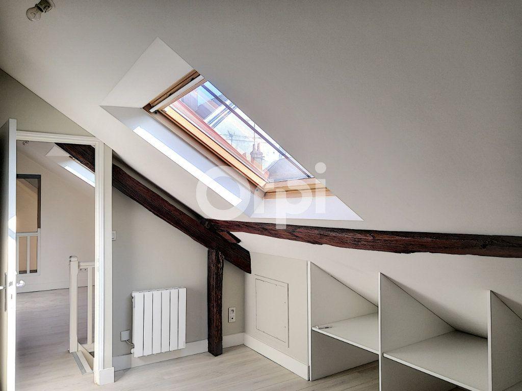 Appartement à louer 3 68.06m2 à Orléans vignette-4