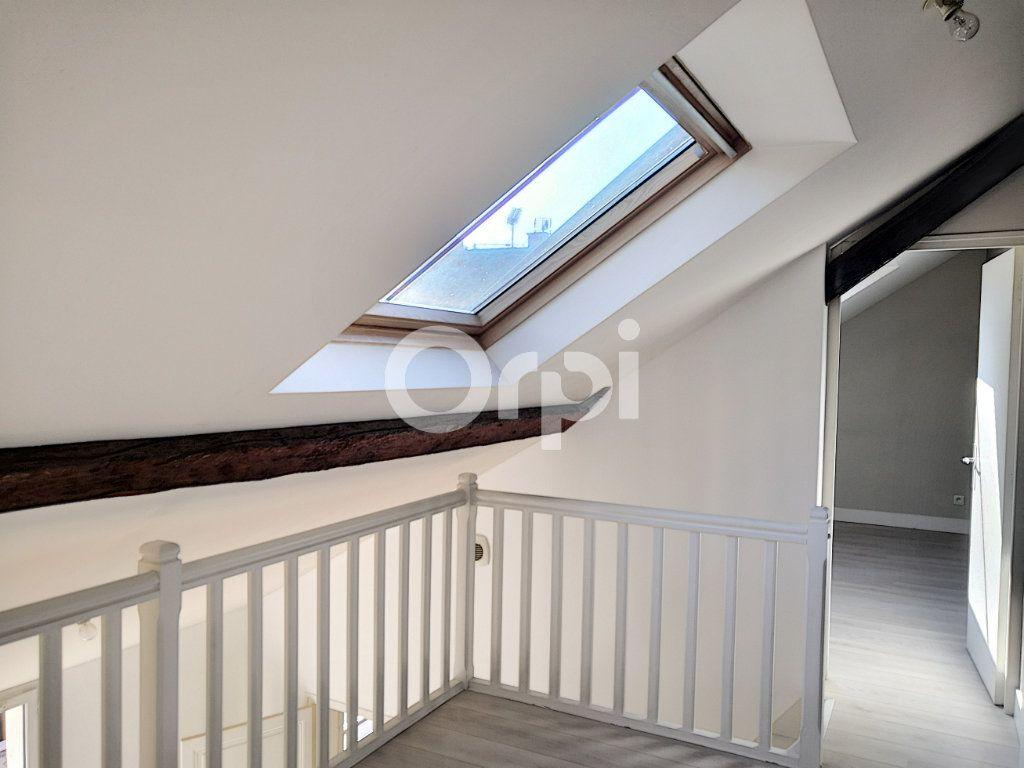 Appartement à louer 3 68.06m2 à Orléans vignette-9