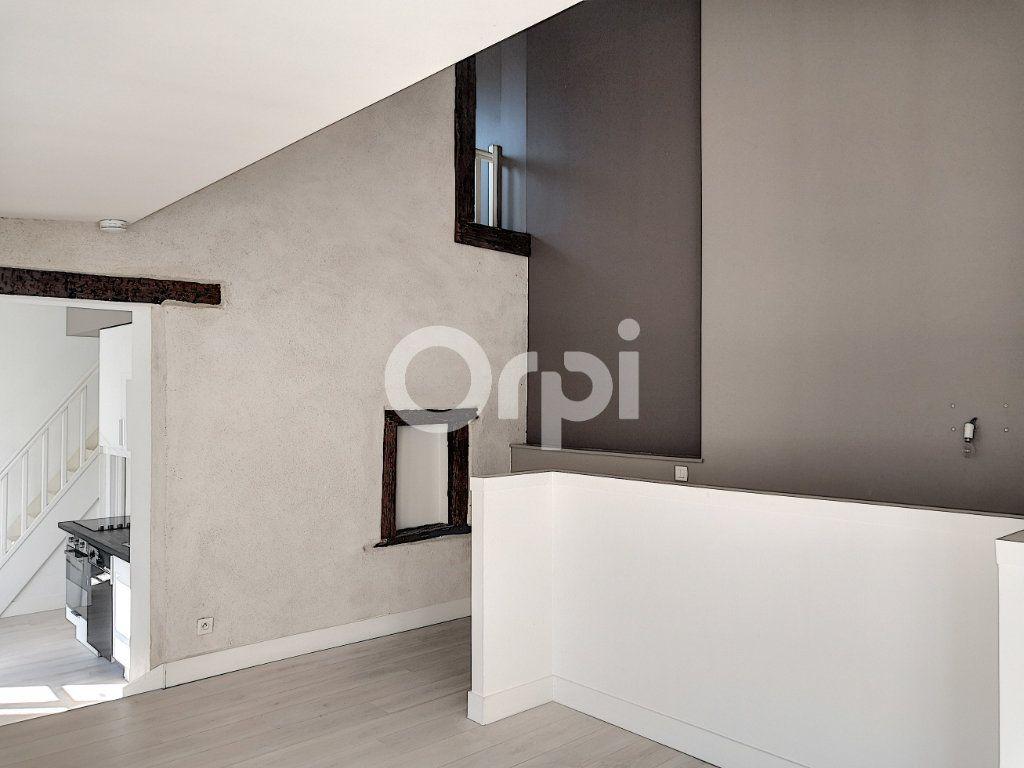 Appartement à louer 3 68.06m2 à Orléans vignette-11