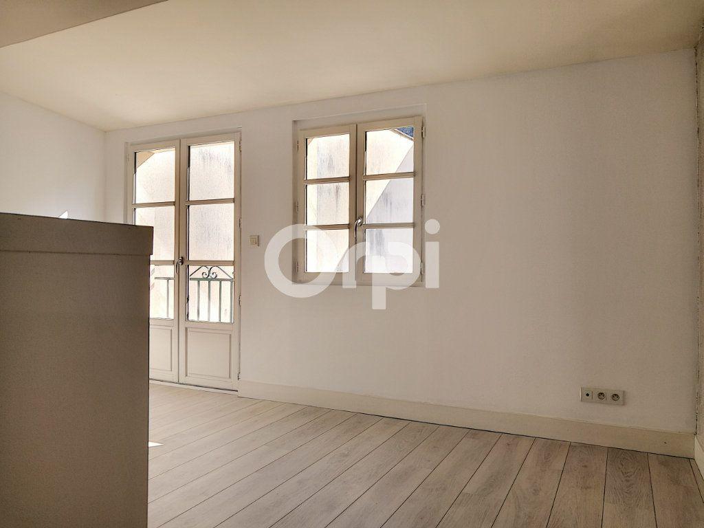 Appartement à louer 3 68.06m2 à Orléans vignette-12