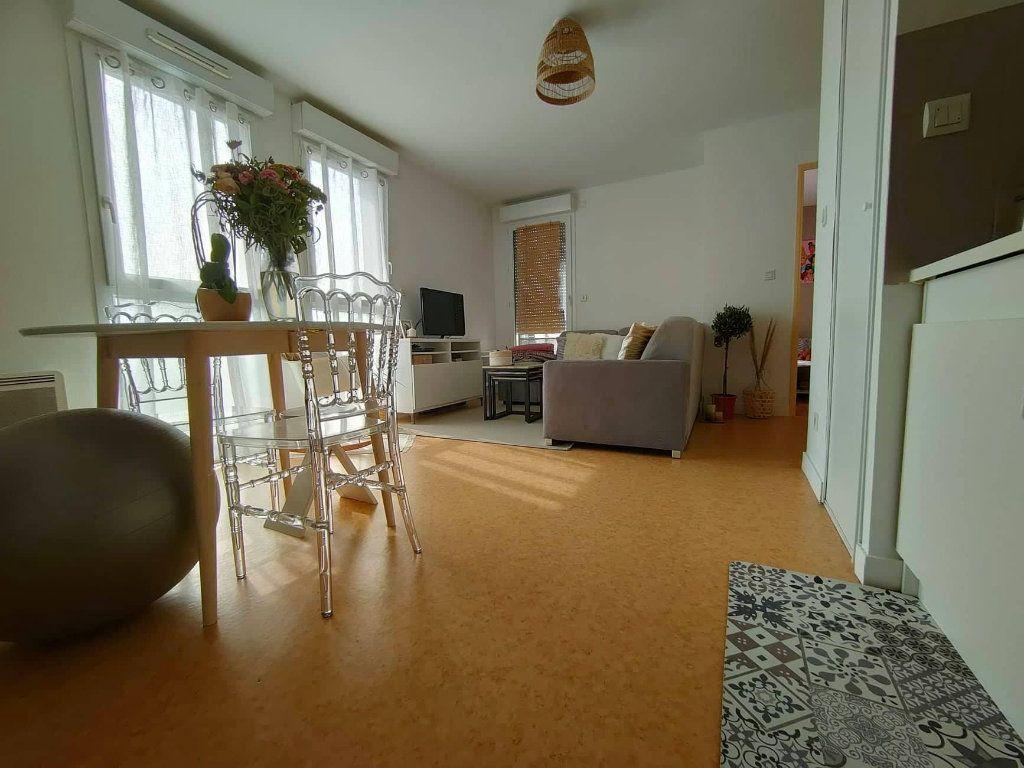 Appartement à louer 2 41.7m2 à Saint-Jean-le-Blanc vignette-2