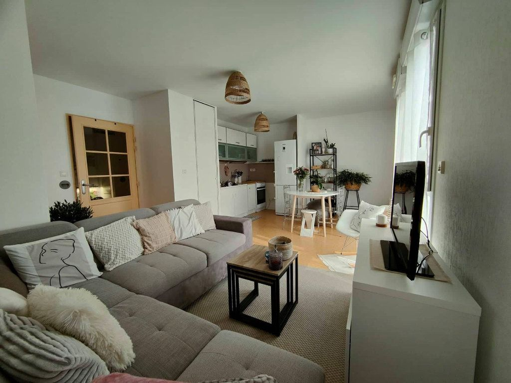 Appartement à louer 2 41.7m2 à Saint-Jean-le-Blanc vignette-3