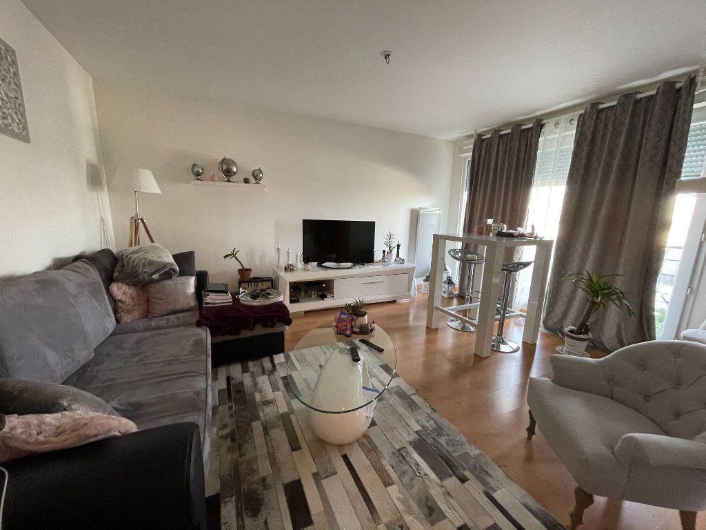Appartement à vendre 2 49.75m2 à Orléans vignette-1