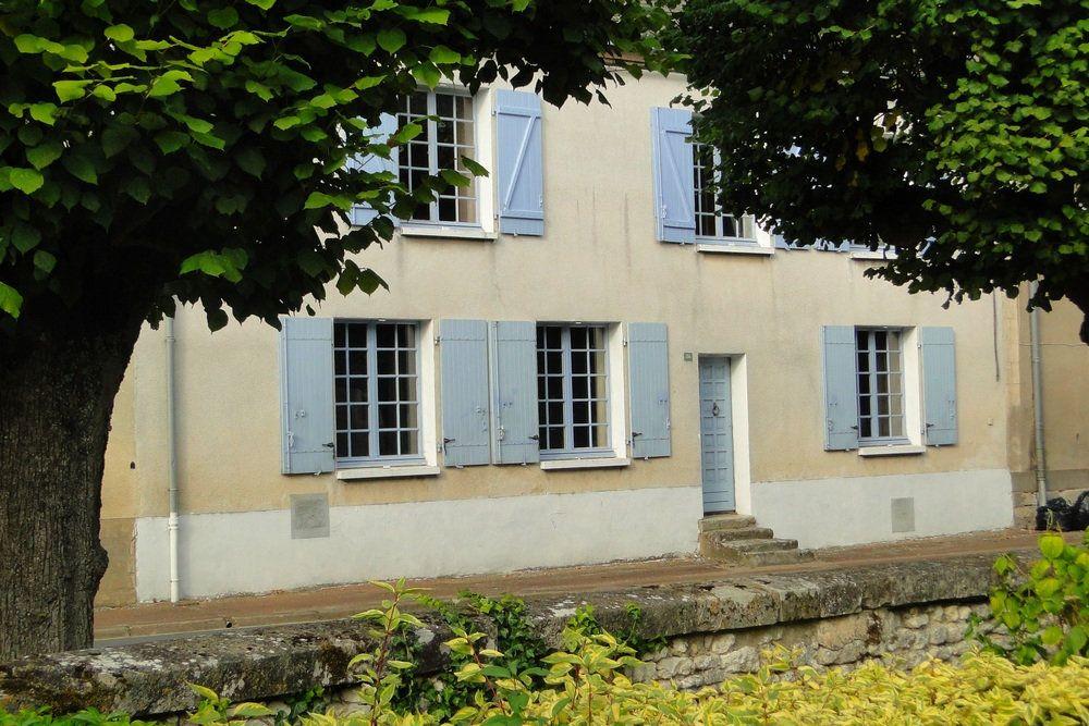 Maison à vendre 5 149m2 à Aschères-le-Marché vignette-1