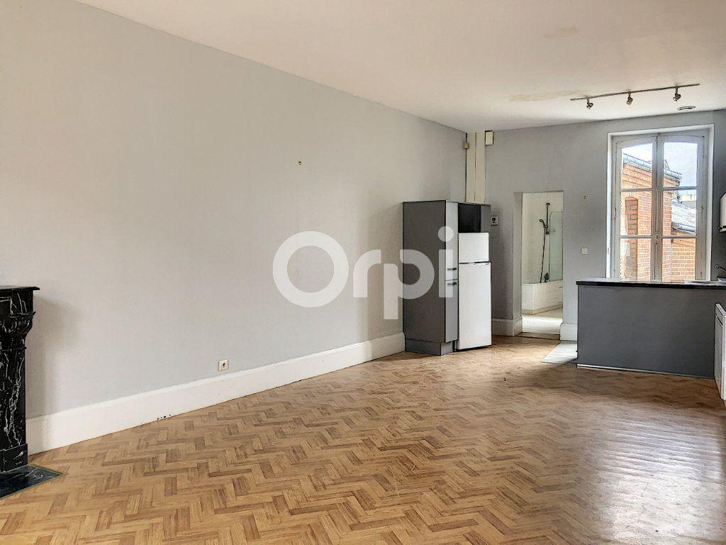 Appartement à louer 3 69.52m2 à Olivet vignette-1