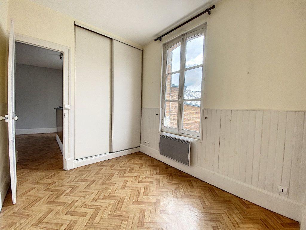 Appartement à louer 3 69.52m2 à Olivet vignette-5