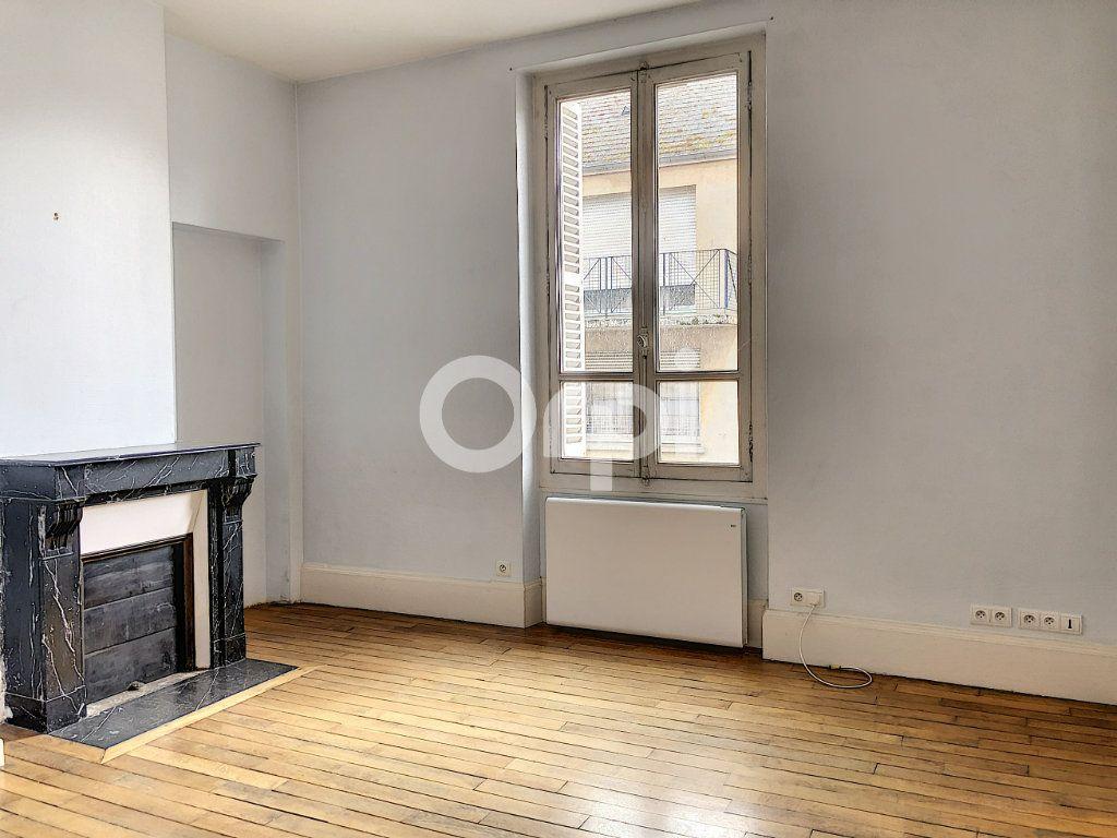 Appartement à louer 3 69.52m2 à Olivet vignette-6