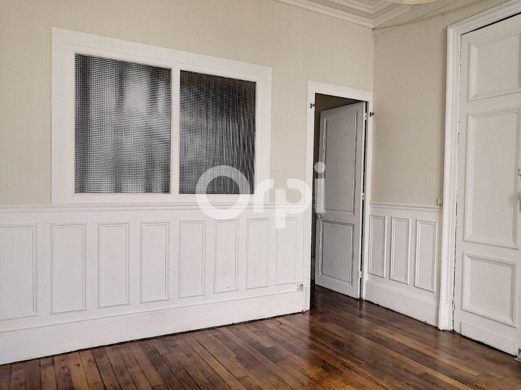 Appartement à louer 2 33m2 à Orléans vignette-2