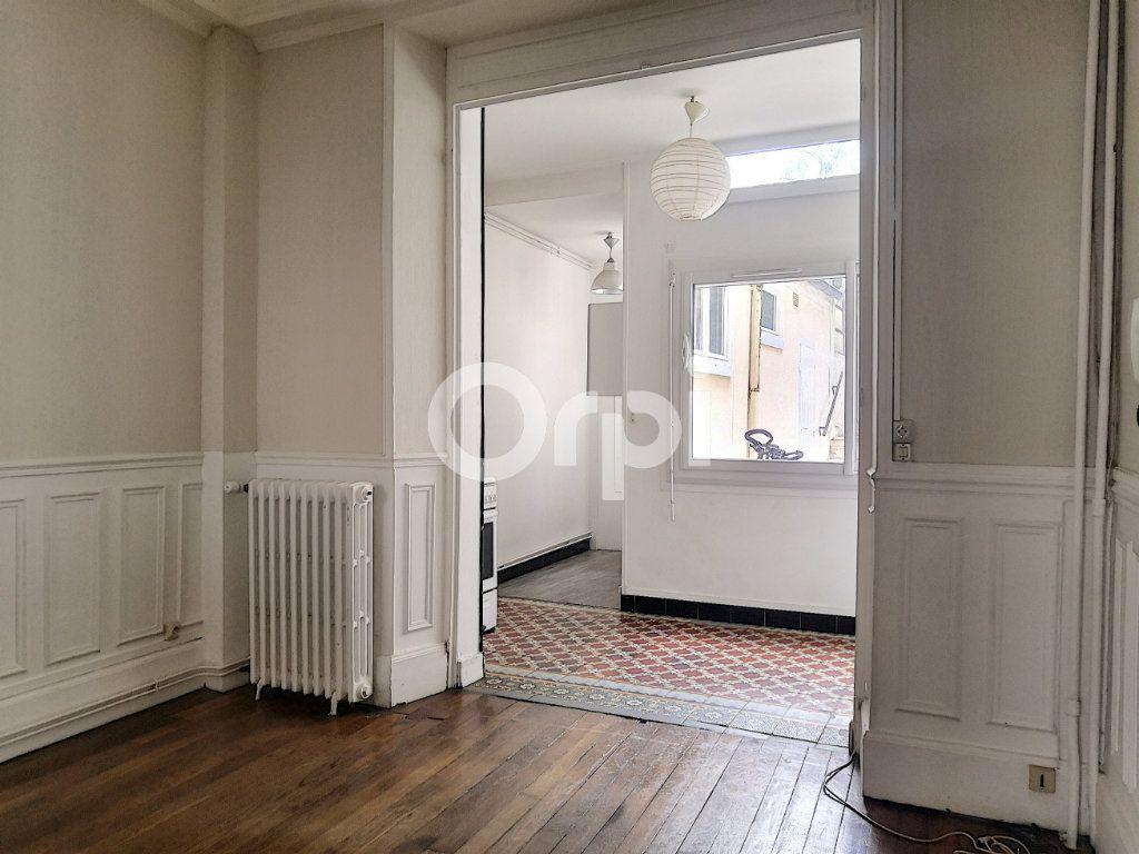 Appartement à louer 2 33m2 à Orléans vignette-4