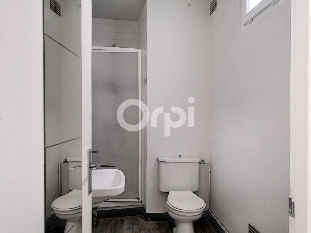 Appartement à louer 2 33m2 à Orléans vignette-5