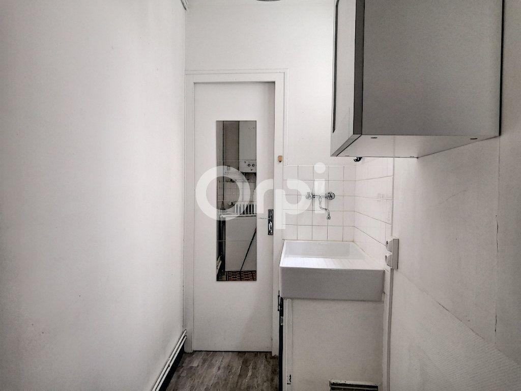 Appartement à louer 2 33m2 à Orléans vignette-6