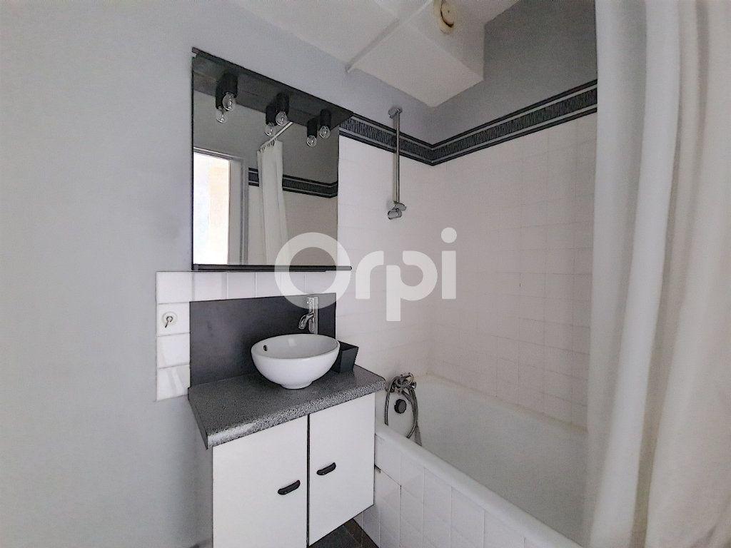 Appartement à louer 1 29.65m2 à Olivet vignette-5